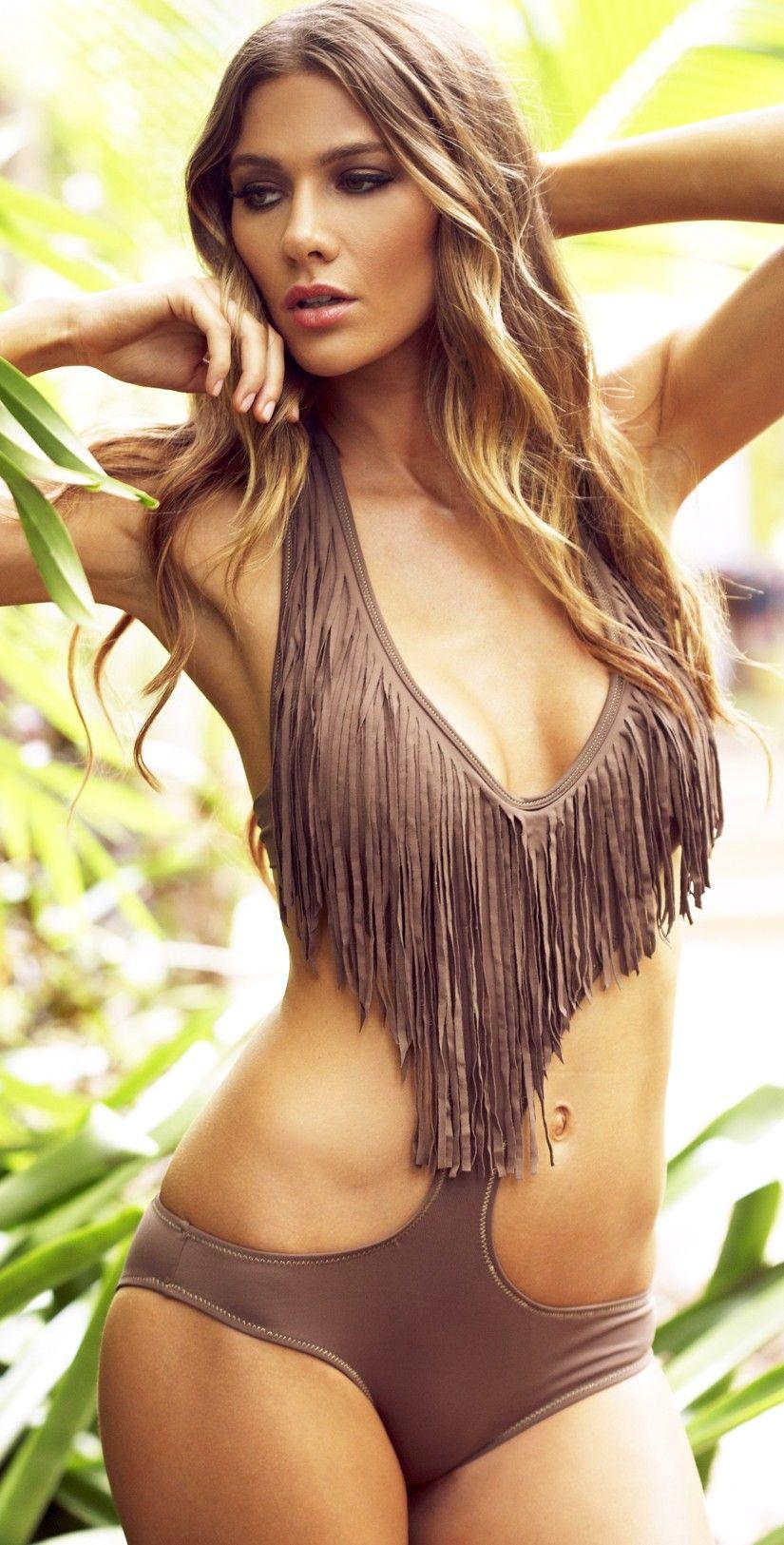 Girls long torso nude