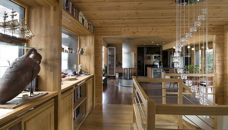 Maison en bois construite en bretagne au design int rieur moderne maison home decor log - Idee interieur maison ...