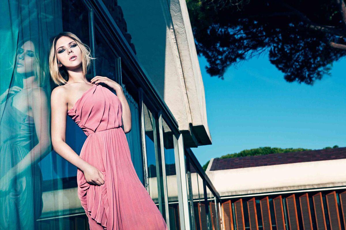 Scarlett johansson nude | Scarlett Johansson Goes Totally