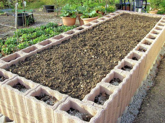 video: hochbeet aus raster-pflanzsteinen selber bauen - so einfach, Garten und Bauen