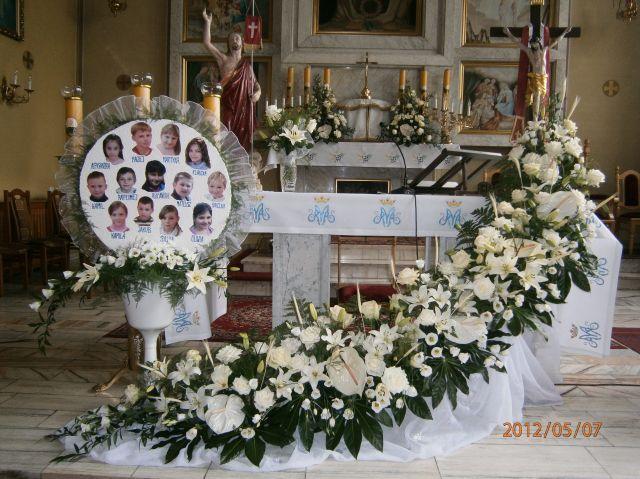 Rece Styropianowe Ozdoby Komunijne Swiateczne Oraz Na Inne Okazje Church Altar Decorations Church Decor Altar Decorations