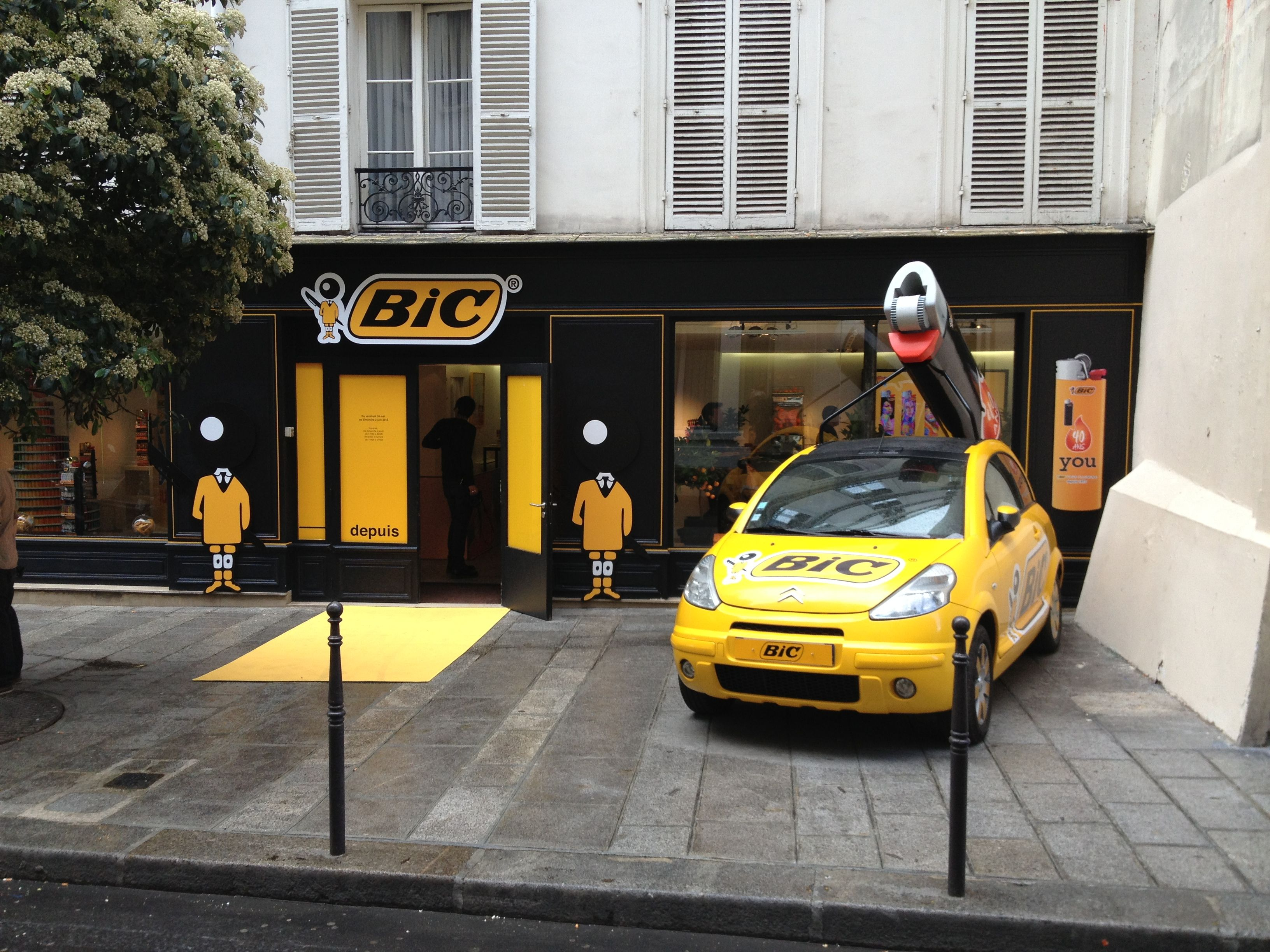 Popup-store-anniversaire-40-ans-Bic-Paris-street-marketing-15.jpg (3264×2448)