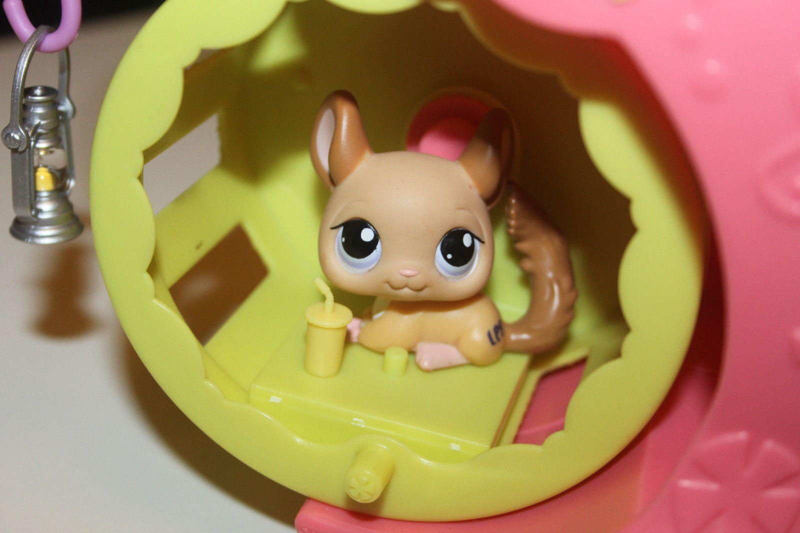 Hasbro Littlest Pet Shop Paw Powered Cruiser Car Vehicle