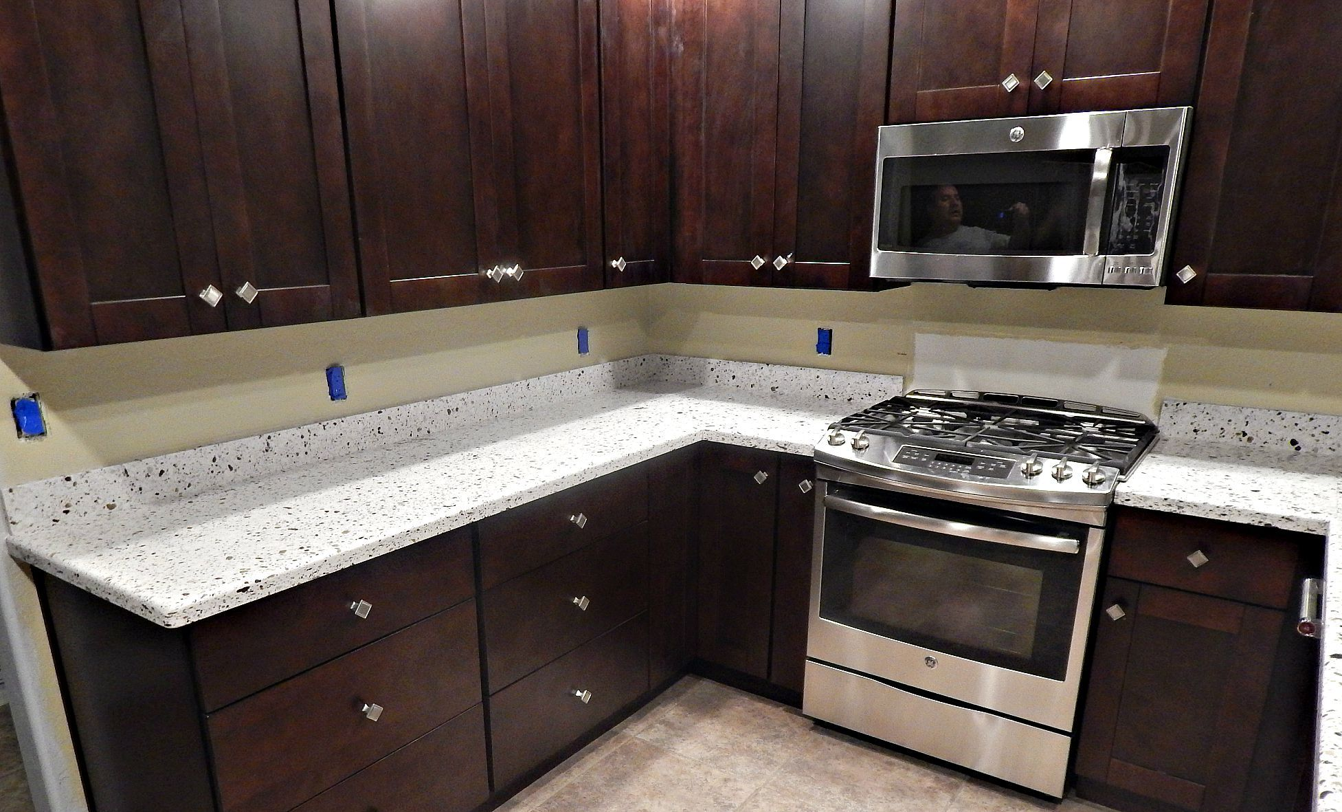 Emerald Pearl Granite Kitchen Seleno Quartz Countertops With Demi Bullnose Edge And Standard 4