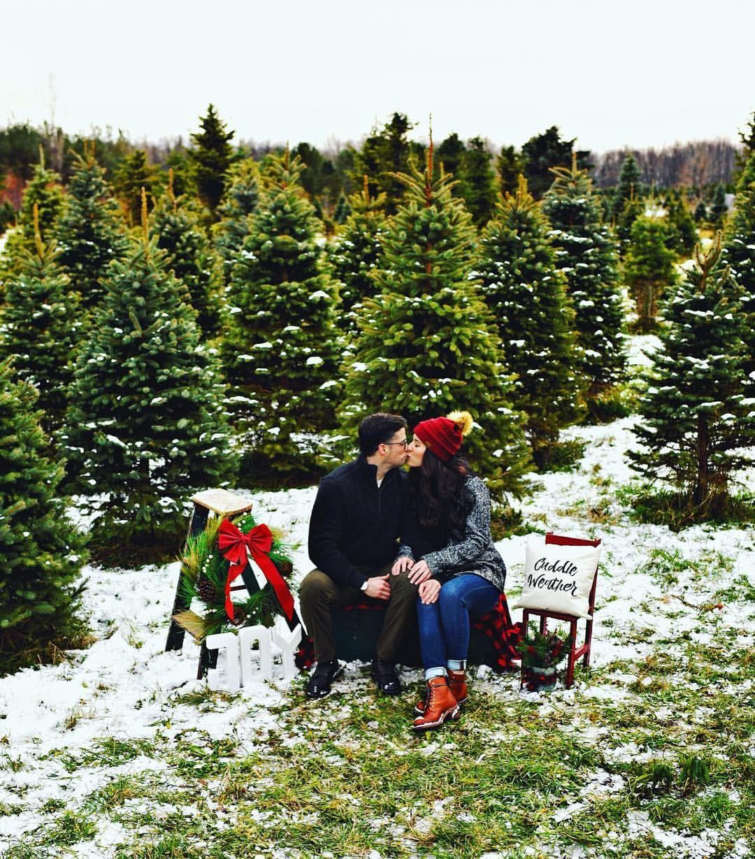 Christmas Tree Farm Photos Winter Photoshoot Christmas Decor Christmas Outfit Inspo Christmas Couple Photos Tree Farm Photo Shoot Holiday Photoshoot