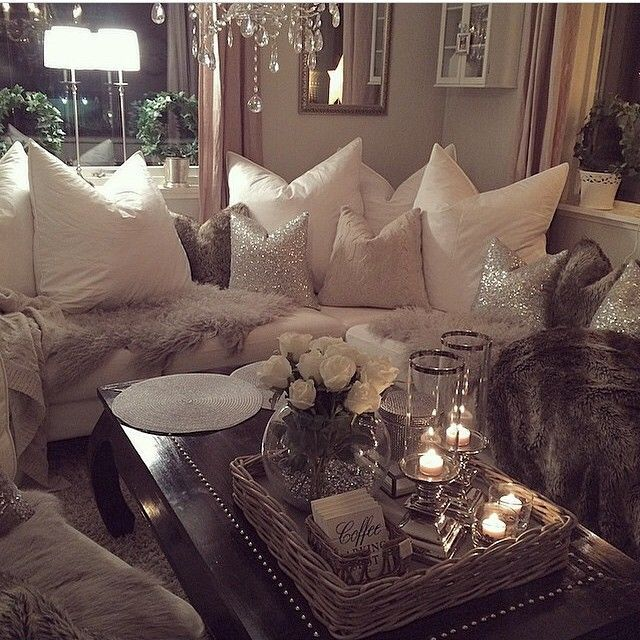 There Is Nothing In The World More Cozy And Comfy And A Living Room Lit By Candles Here Are 14 Amazin Living Room Candles Silver Living Room Cozy Living Rooms