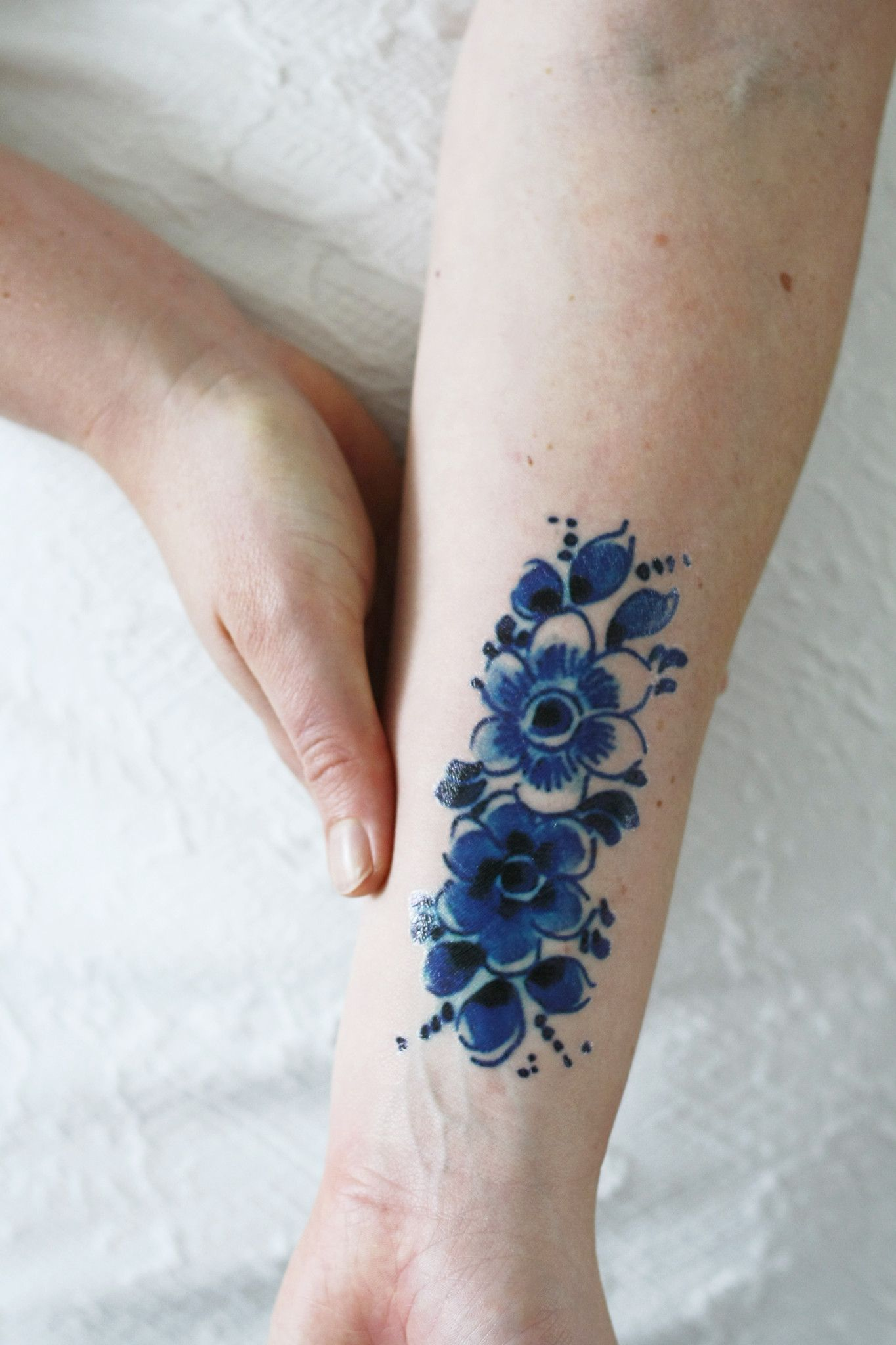 This pretty floral temporary tattoo is made in the Dutch  Delfts Blauw   style. I love these old Dutch designs. This temporary tattoo will look  lovely on ... a042c40ab8e