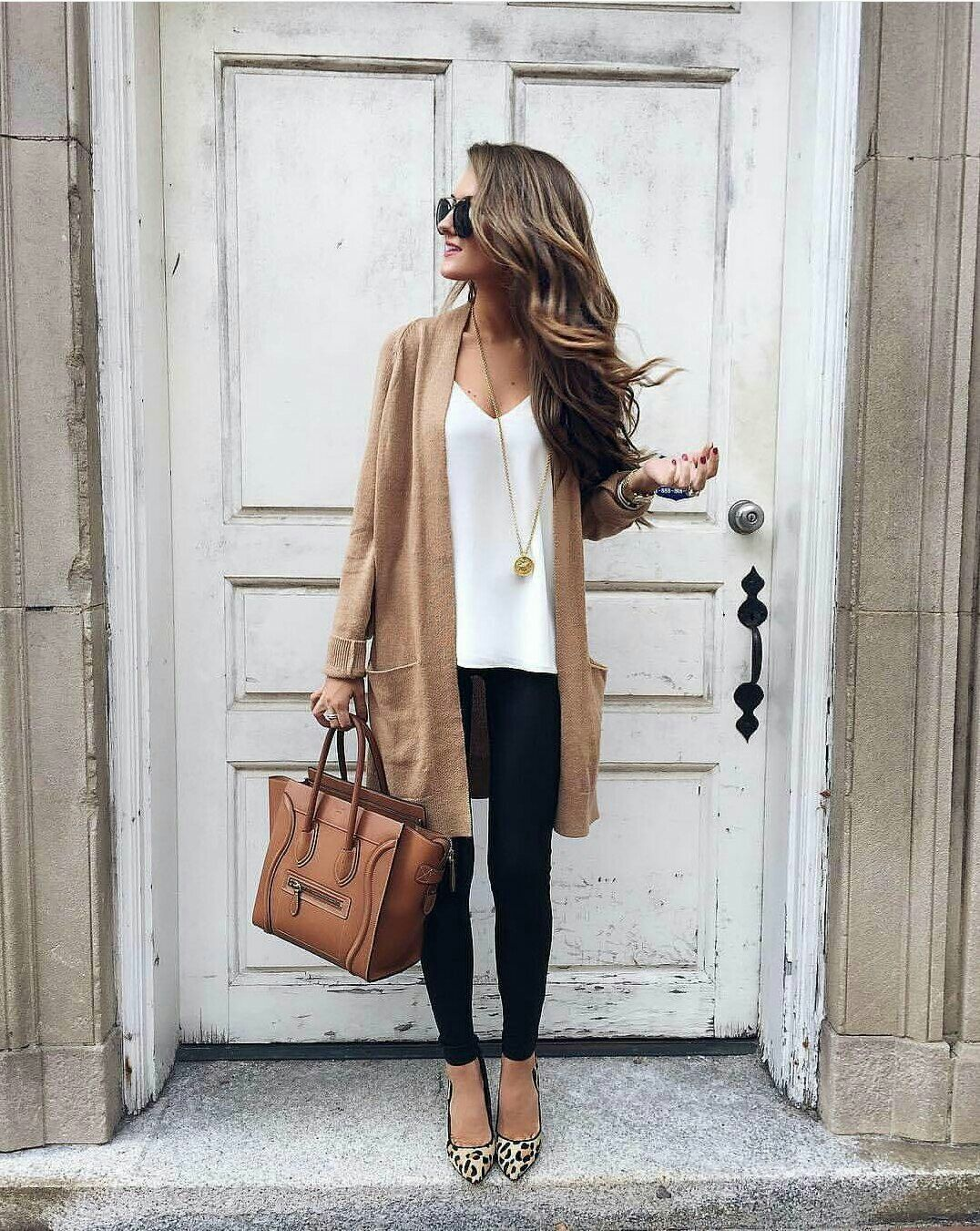 Long tan cardigan, leopard print shoes, brown leather bag ...