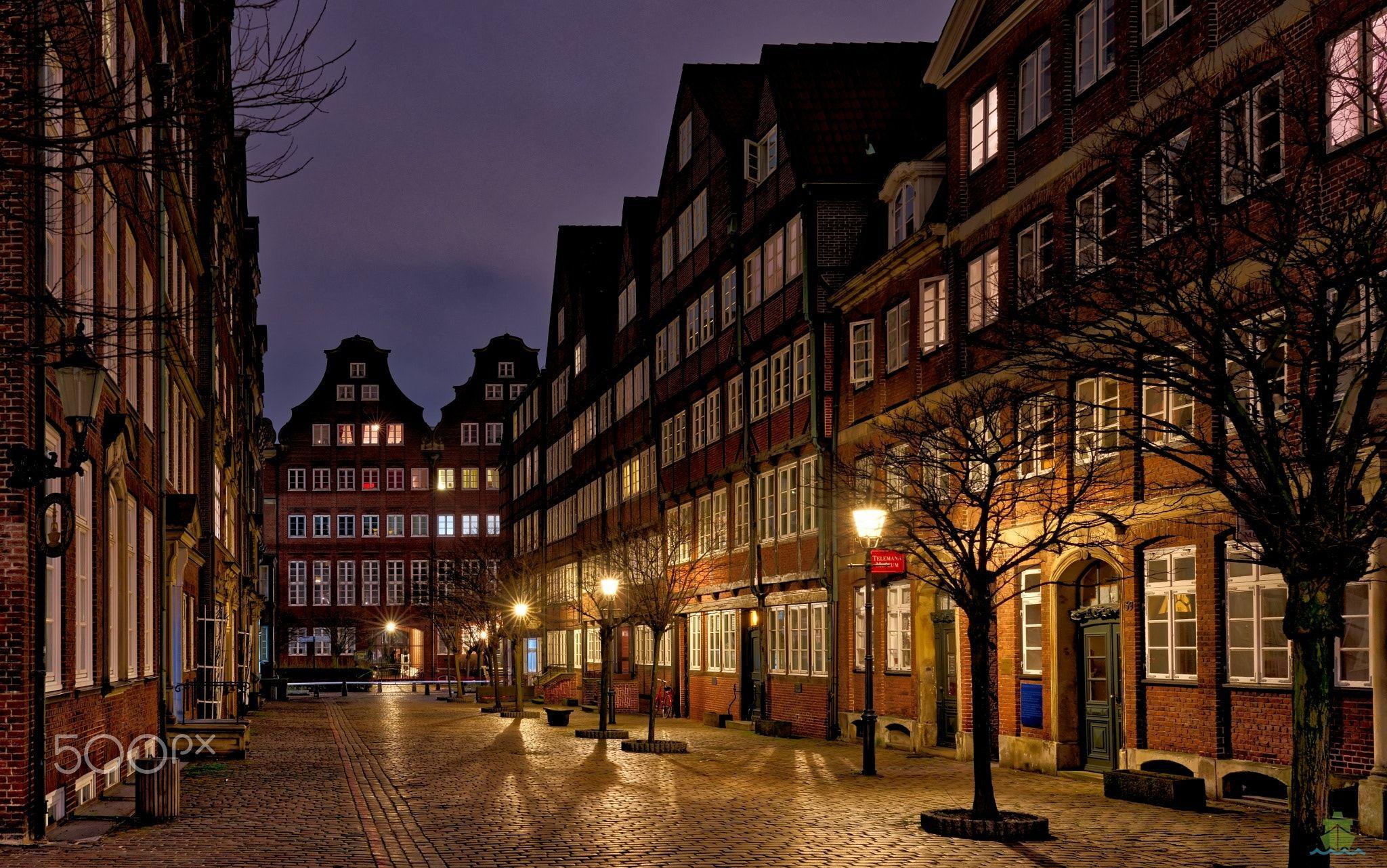 """Hamburg - Altstadt - Peterstraße in Hamburg <a href=""""http://www.das-hamburg-foto.de/"""">Website: DAS-HAMBURG-FOTO</a>"""