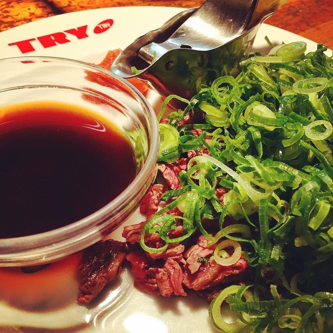 ステーキのタタキという素晴らしい一品999円也 #lunch #steak #tataki #springonion #lemon #ネギどんなけ #肥後橋 by yutoman531