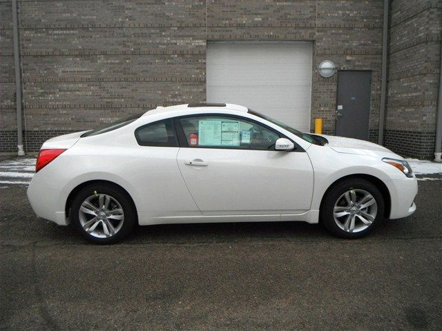 Nissan Altima Coupe White