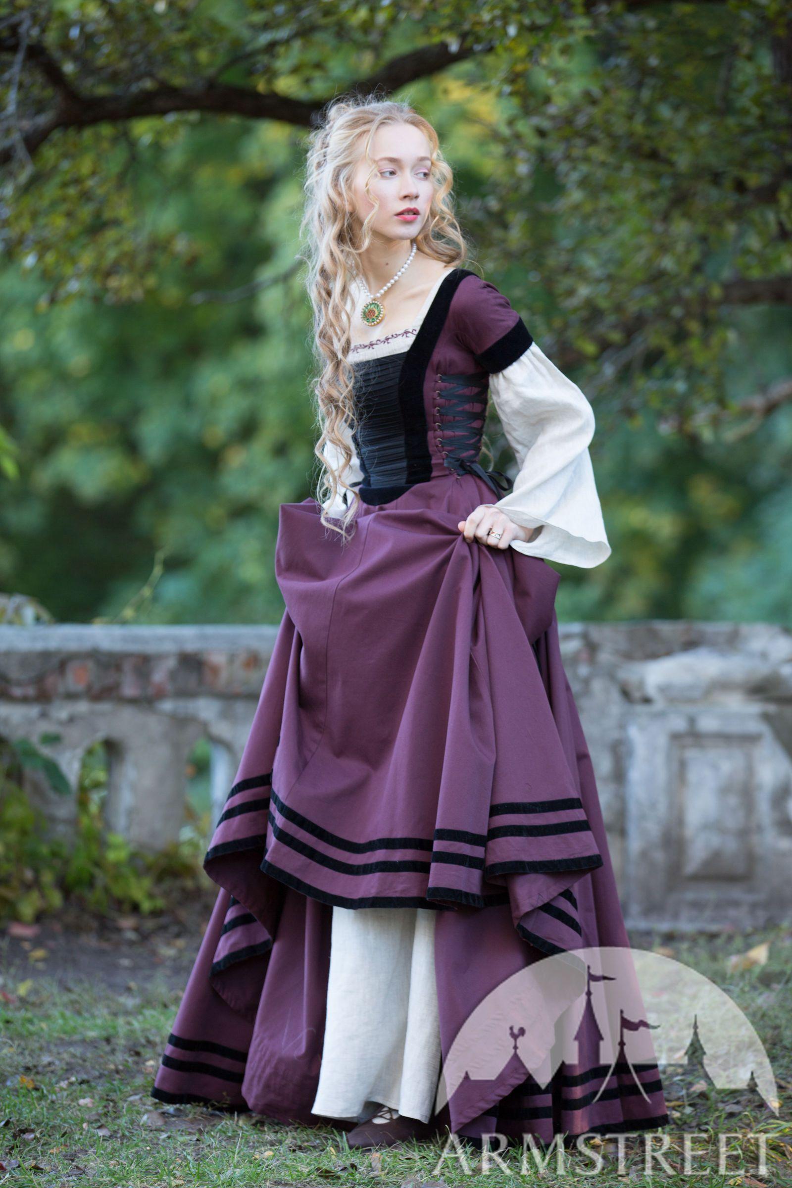 """tailliertes kleid mit samt """"renaissance erinnerung"""
