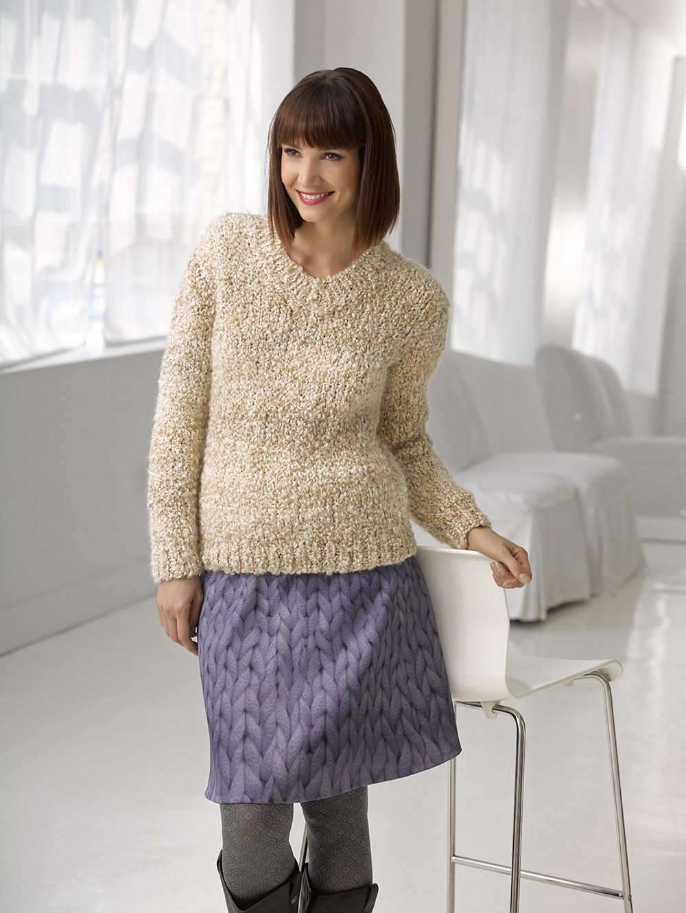 Inviting Times Pullover in Lion Brand Homespun Thick & Quick - L30224