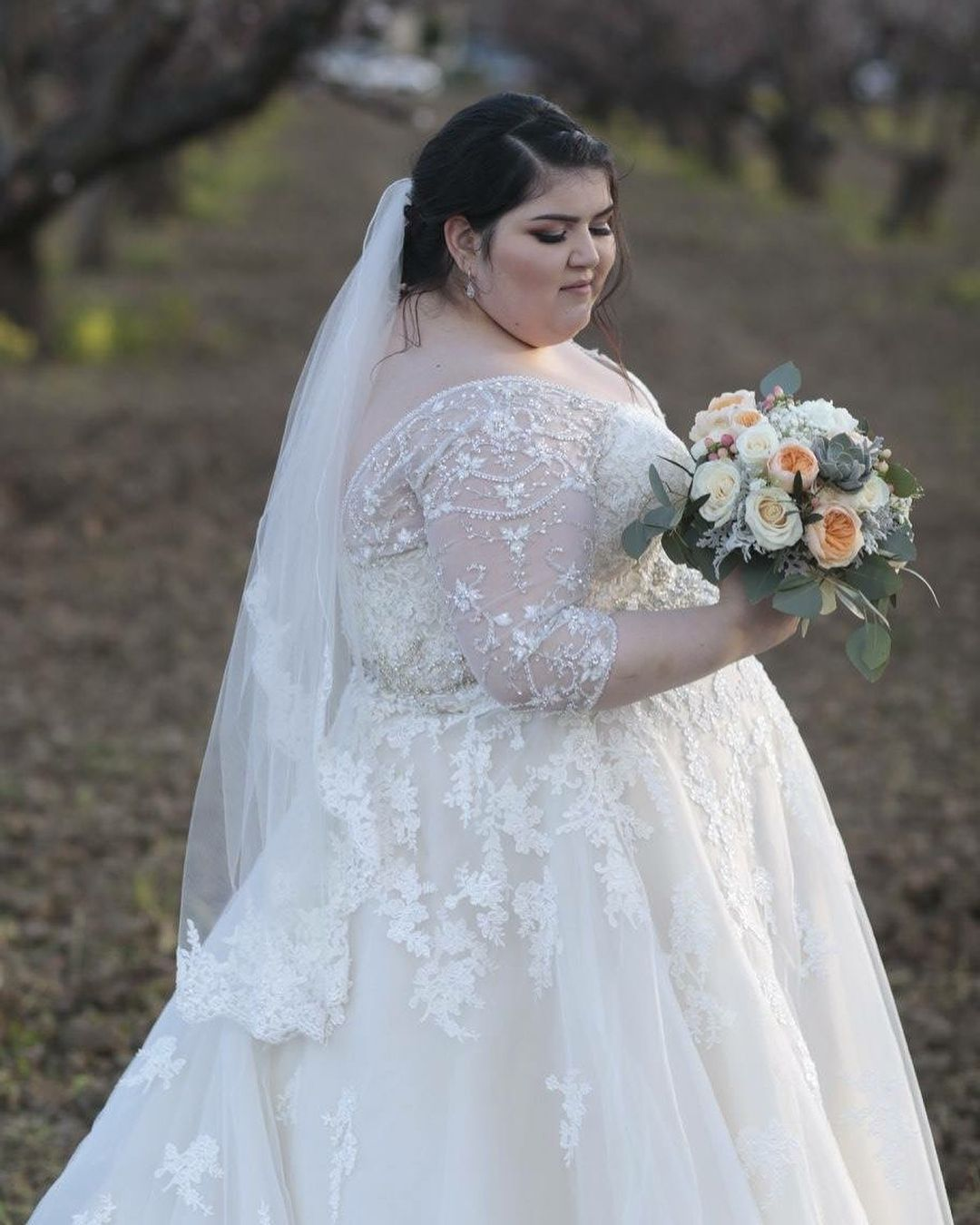 Full Figure Wedding Gowns: This Long Sleeve Wedding Gown Is A Great Cut For A Larger