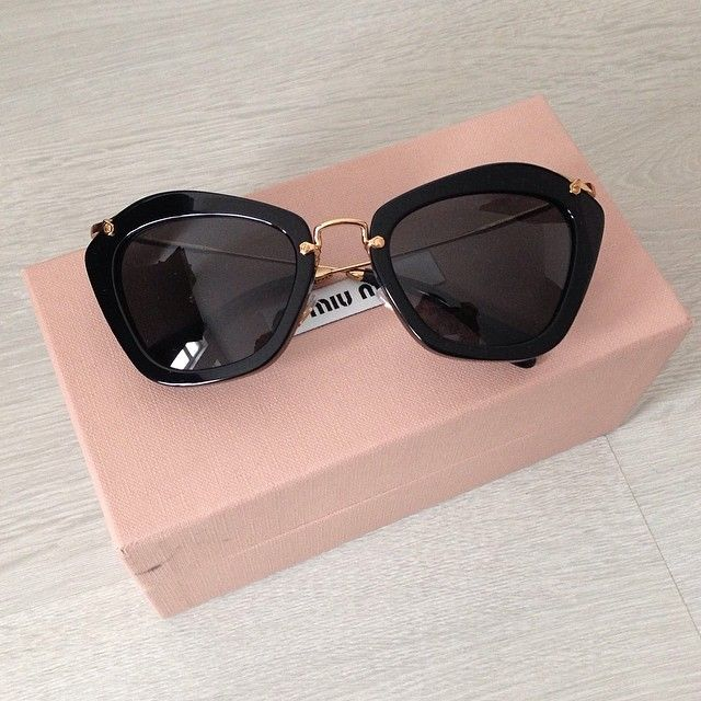 540db43fe0aa What is the trend for Sunglasses Summer See what designer brands are in  fashion this summer season for Sunglasses! Get inspired by Jetset Babes  sunglasses