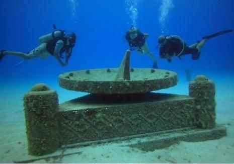 Lost City Of Atlantis At Cayman Extended X Ray Magazine Lost City Of Atlantis Underwater City Underwater