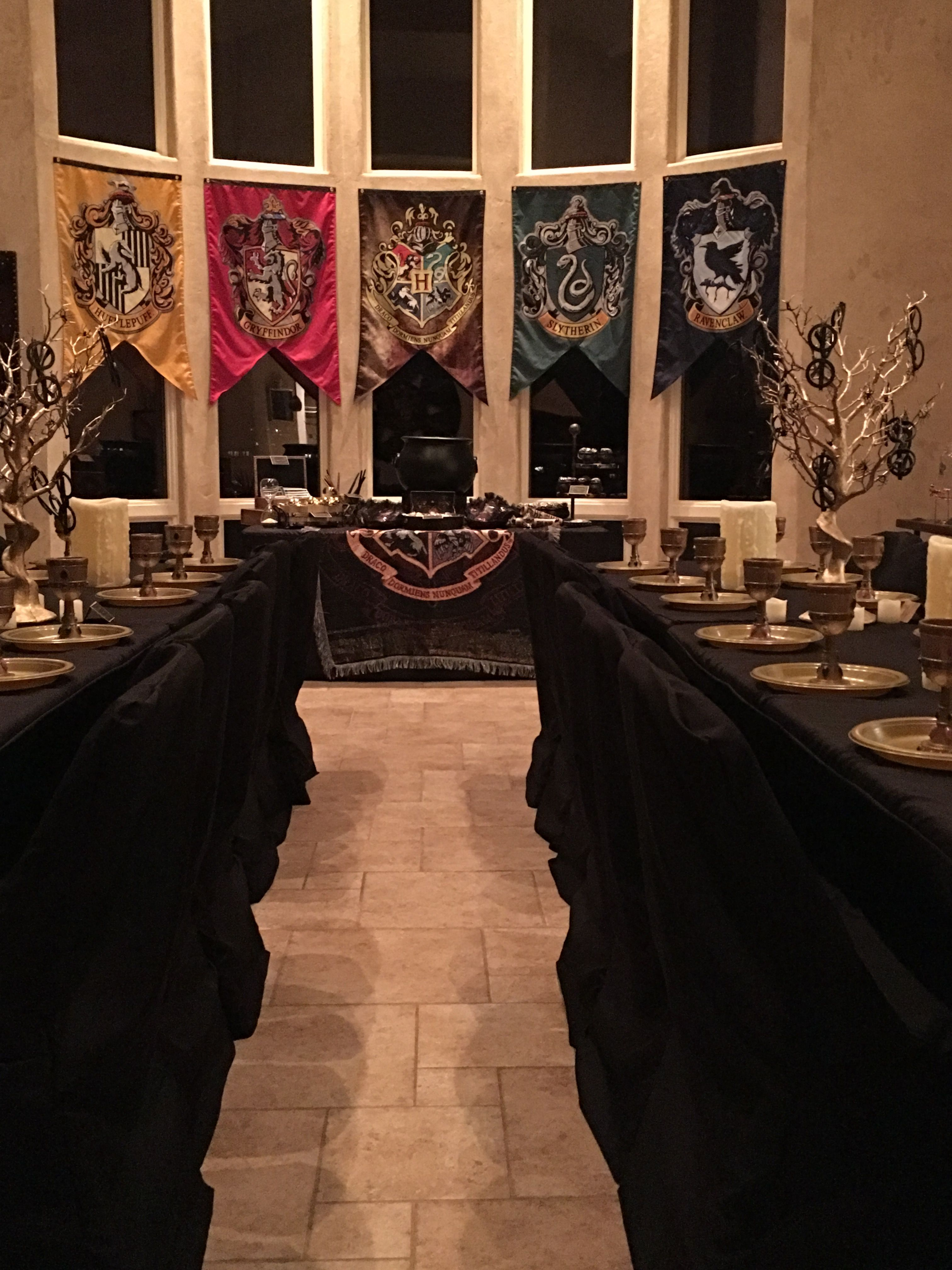 Harry Potter Birthday Party At Home Table Decor Harry Potter