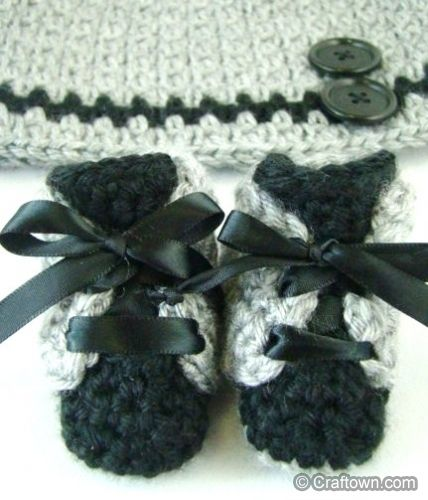 Free Crochet Pattern - Lincoln Newborn Booties | Crochet and Knits ...