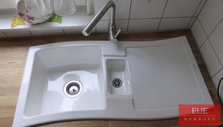 Keramikspüle New Wave 60 von Villeroy und Boch. Die Spüle mit der geschwungenen Form. Passend nicht nur zur Villeroy und Boch New Wave Geschirrserie. Lassen Sie sich von uns beraten. Ihr EUE Hamburg Team.