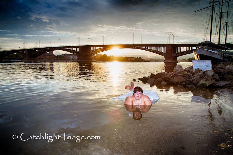 http://www.catchlight-image.com