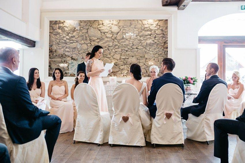 Wunderschone Hochzeit Am Vedahof Hochzeitsfotograf Linz Osterreich Kerstin Weidinger Hochzeit Hochzeitsfotograf Brautjungfernkleid
