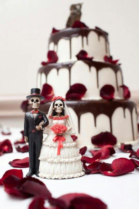 Dia de los Muertos Wedding Cake. This is effin gorgeous! I love ...