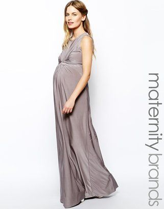 780aedd7764 What to wear to a wedding if you re pregnant