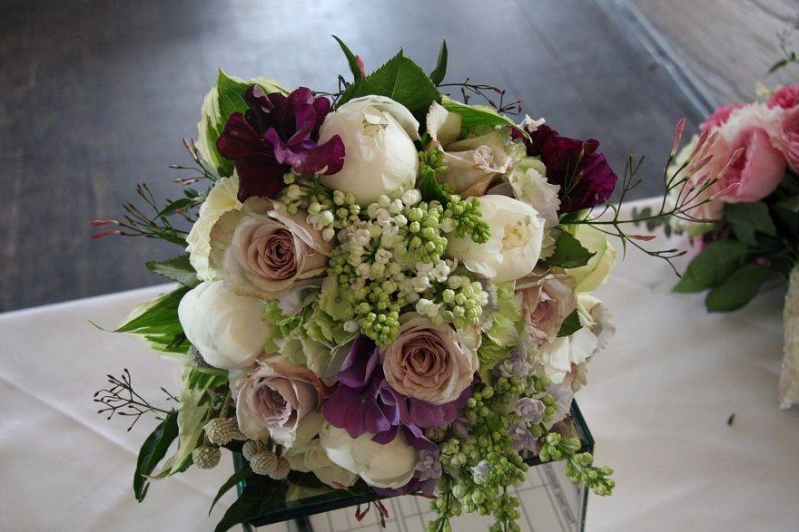 Best Alternative Bridesmaid Bouquets : Bridesmaid Flower Bouquet ...