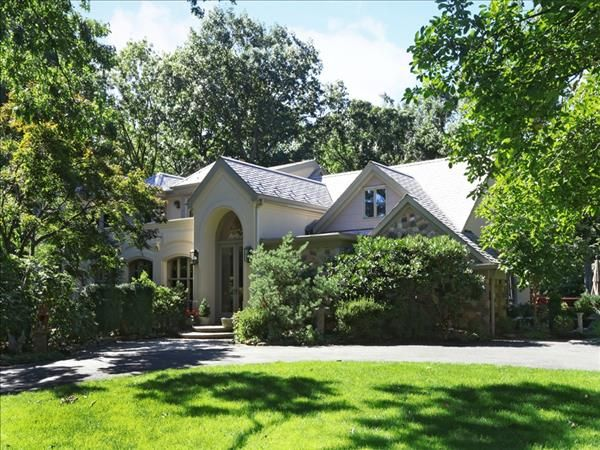 Luxurious Mini Estate For Sale In Green Brook Nj 08812 1 849 000 On Over 5 Fenced In Acres 10 Car Heated Garage A Real Estate Nj Real Estate In Ground Pools