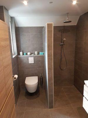 Afbeeldingsresultaat voor scheidingswand badkamer   Shower ideas for ...