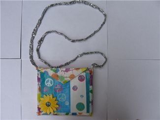 Google Image Result for http://www.duckbrand.com/Duck%2520Tape%2520Club/ducktivities/purses-and-handbags/~/media/Images/Solutions/User%2520Uploads/duck-tape-purse-2.ashx%3Fmw%3D325