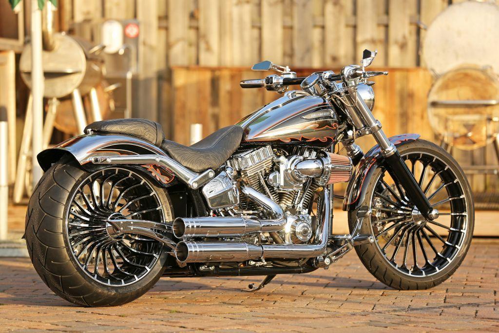 Cvo H D Breakout Fxsbse Softail Custom Umbau Harley Davidson Dyna Harley Davidson Cvo Thunderbikes