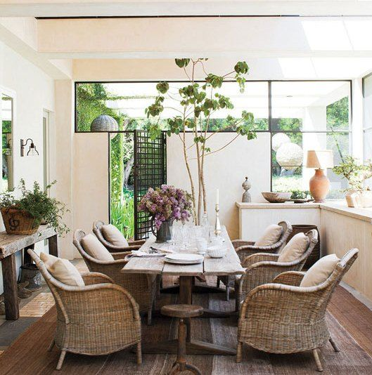 A Covered Enclosed Sun Porch In Tv Star Ellen Degeneres Home Boasts Rustic Dining