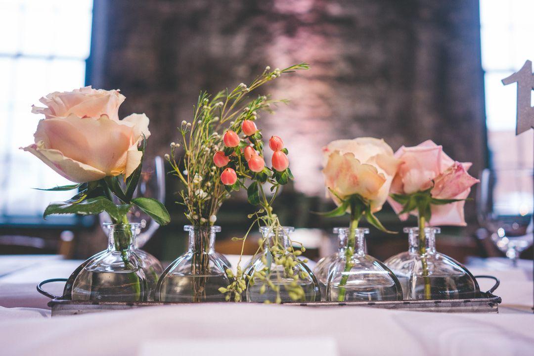 Cluster Wedding Centerpiece In 2020 Online Wedding Flowers Bulk Wedding Flowers Wedding Centerpieces Diy