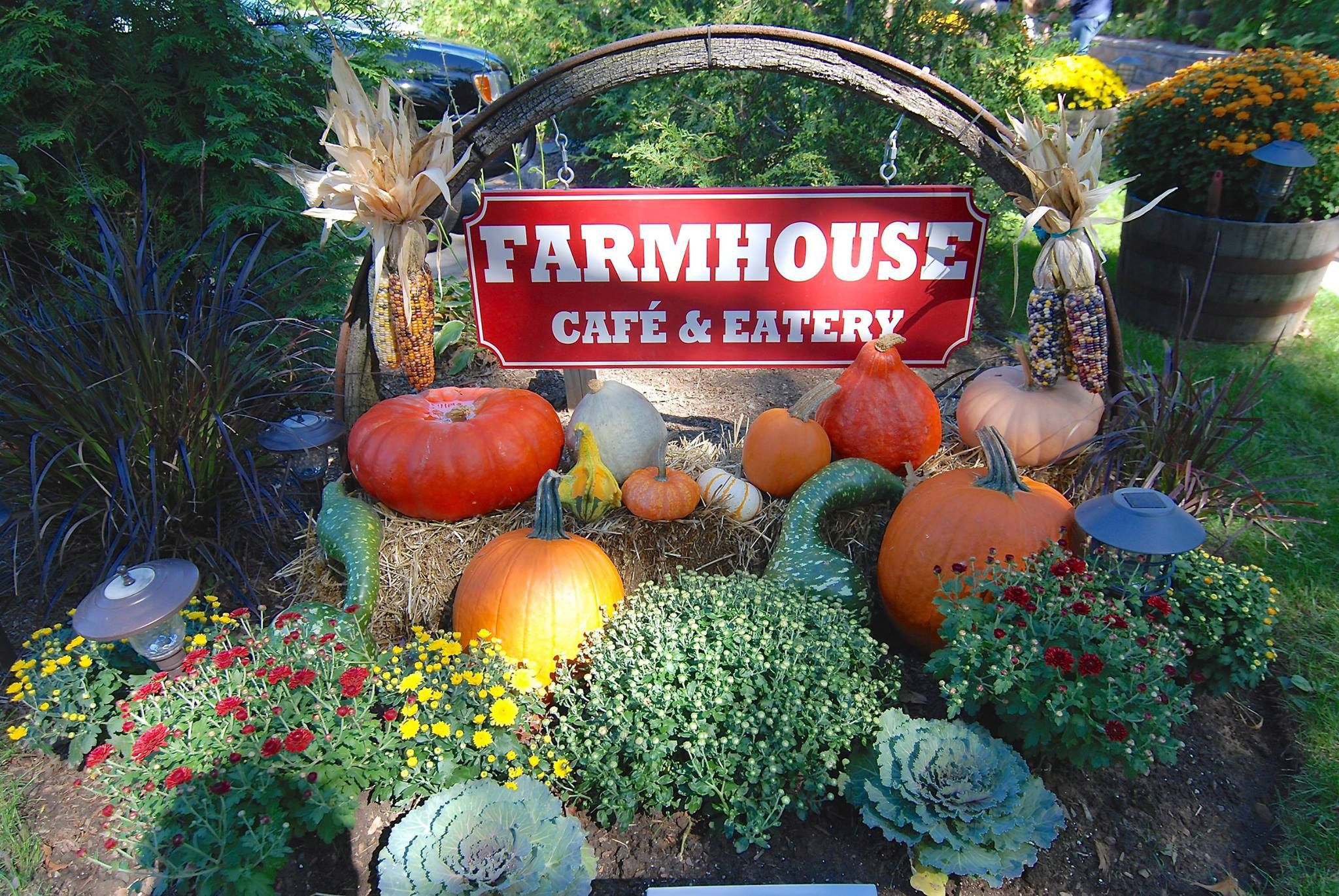 Choose the Farmhouse Cafe & Eatery for all your breakfast