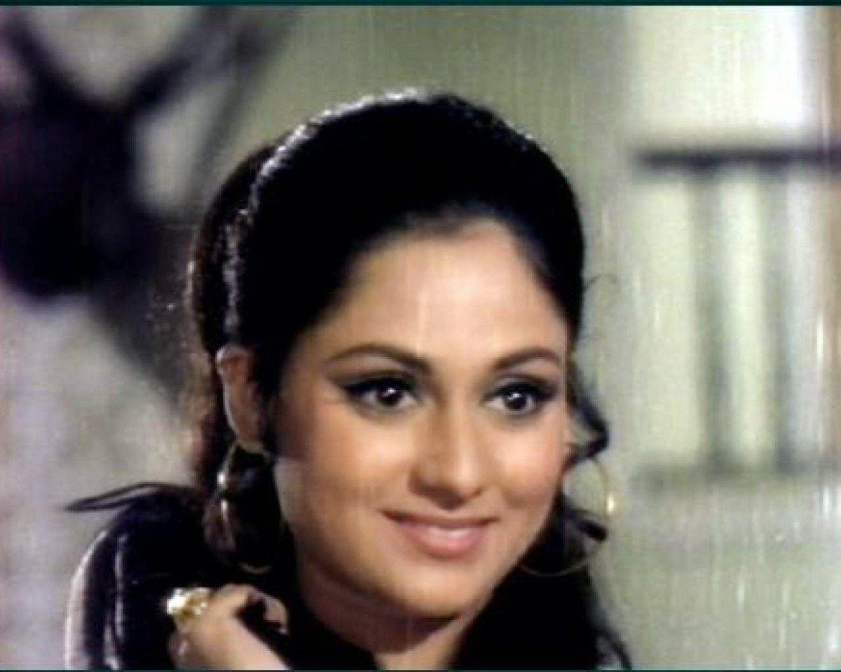 Happy Birthday Jaya Bachchan! Her Silsila@68