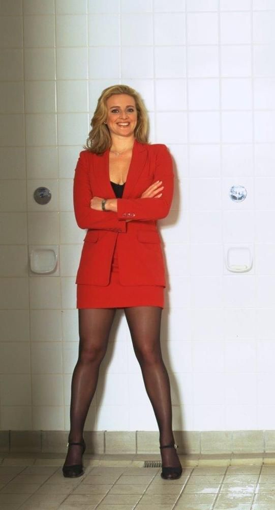 Famouse female tv presenters upskirt pics picture 241