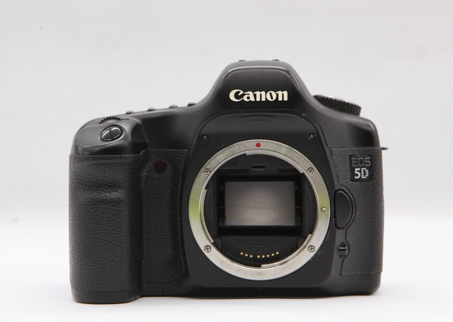 Canon EOS 5D \