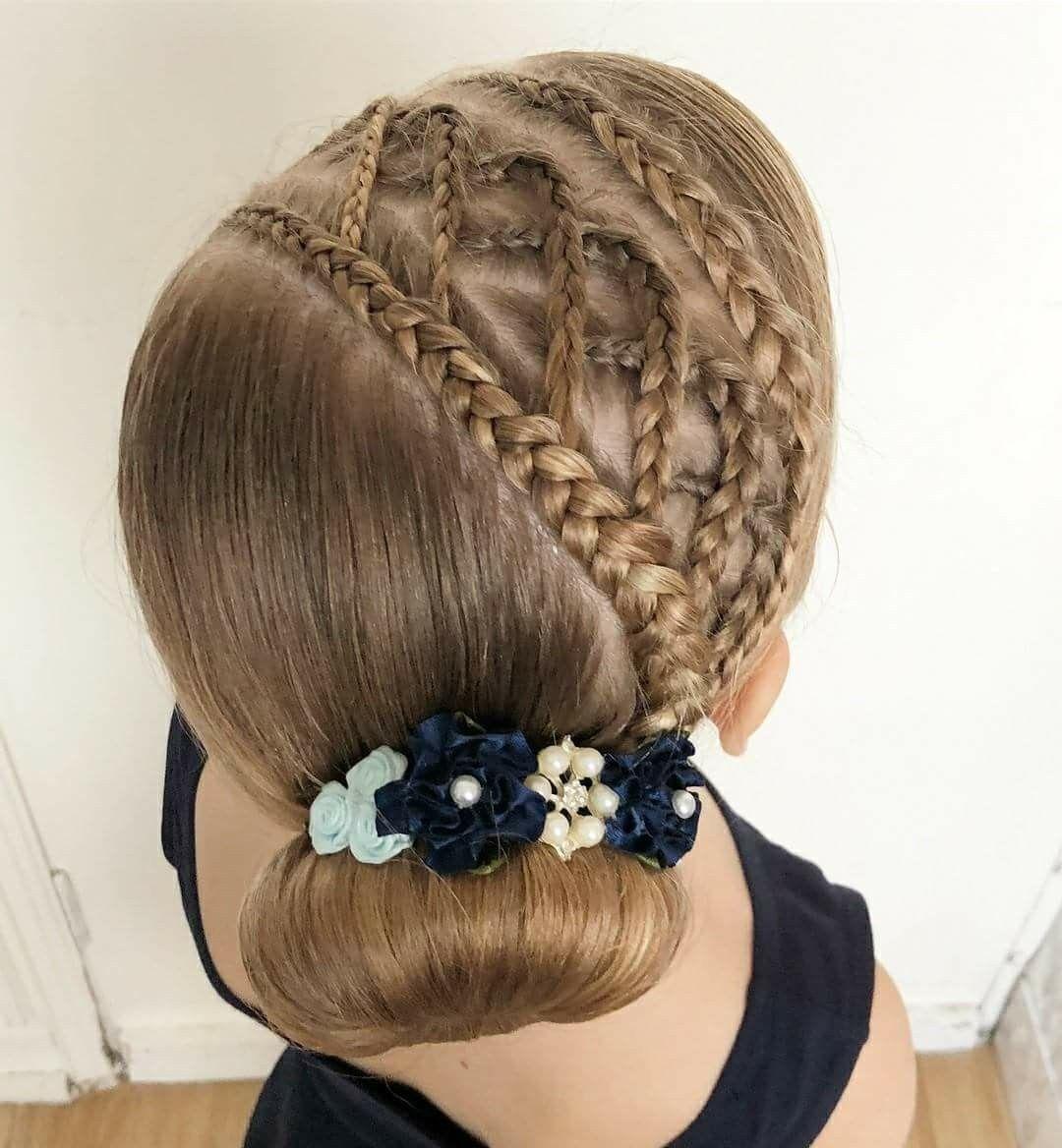 Pin De Katy Seneyda En Peinados De Nina Peinados Infantiles Peinados Nina Trenzas Peinados