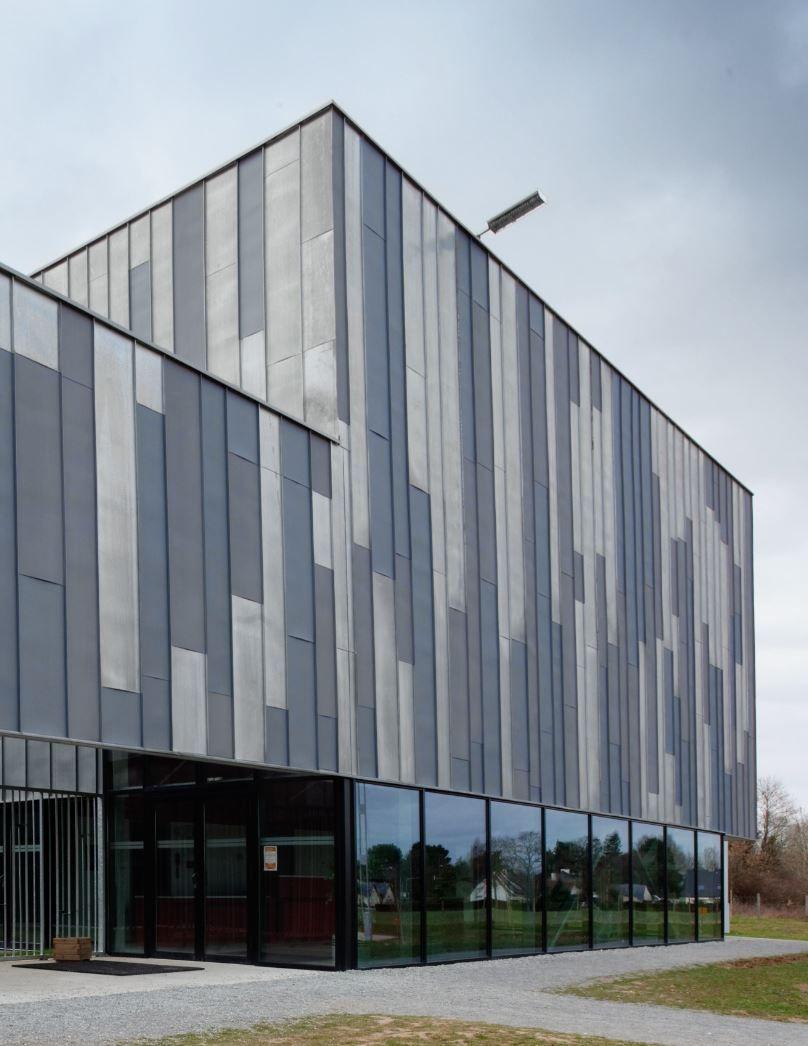horizinc cultural centre bouvron france by atelier roulleau architecture facade zinc. Black Bedroom Furniture Sets. Home Design Ideas
