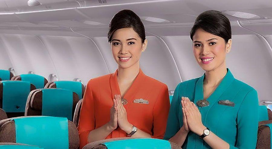 Tutorial Cara Membuat Sanggul Ala Pramugari Maskapai Penerbangan Di 2020 Sanggul Pramugari Hairspray