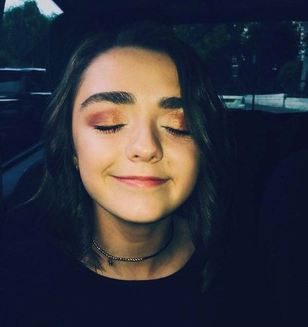 Pin by Lee Stefansson on maisie Williams | Beautiful face