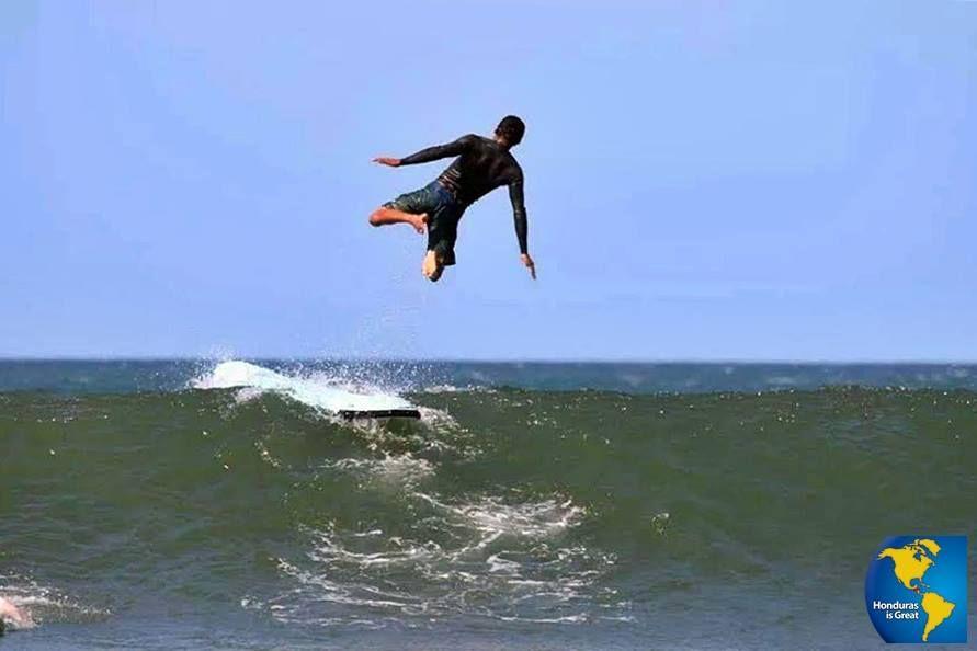 Practica de Surf en el Golfo de Fonseca