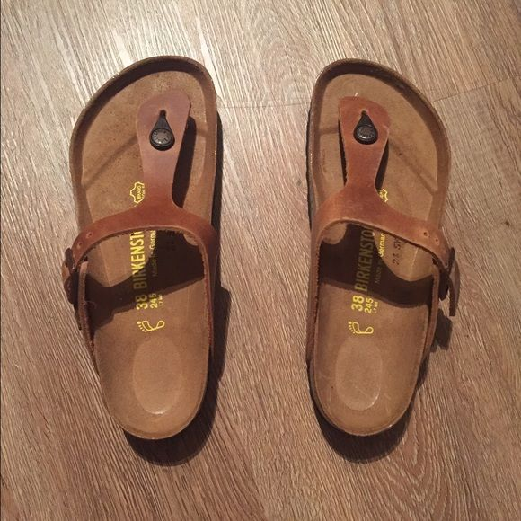 NIB Birkenstock Gizeh - antique brown - 38 Brand new in box, Birkenstock Gizeh in Antique Brown Leather. Size 38. Birkenstock Shoes Sandals