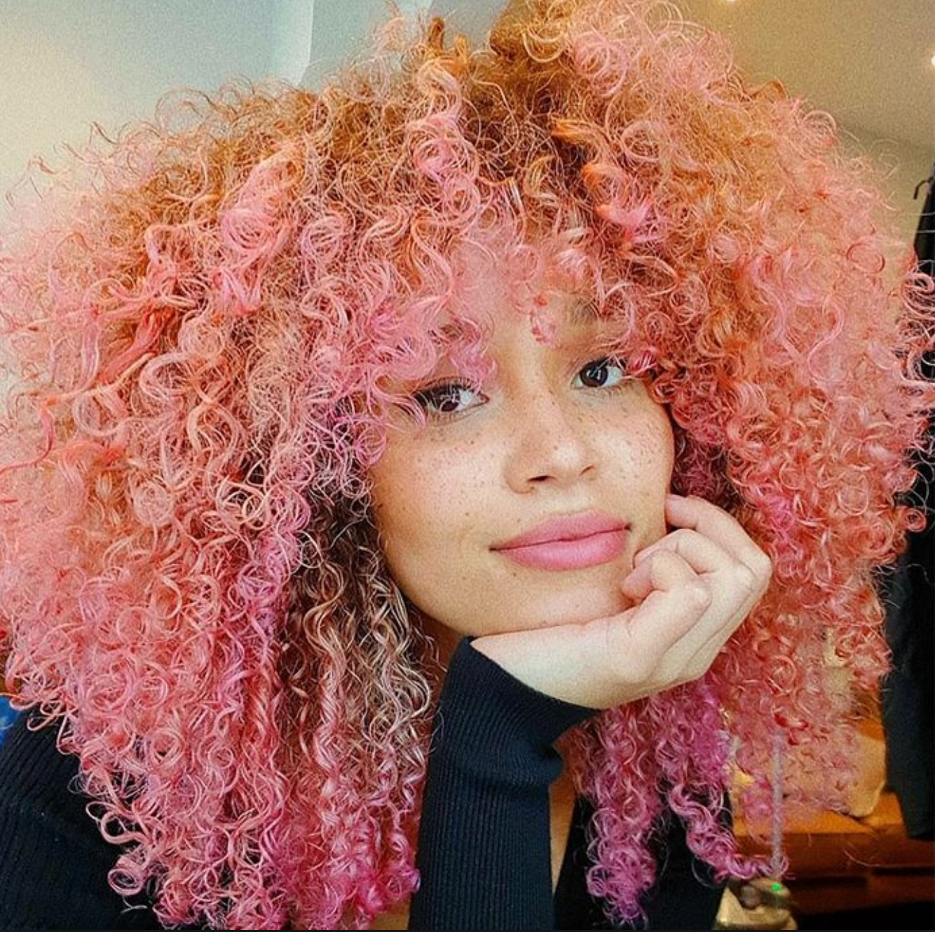 Super Cute Pink Curly Hair With Hot Pink Tips And Bangs Who Is She 3 C3 C4 Mixedhair C Natural Hair Styles Curly Hair Styles Naturally Hair Color Pastel