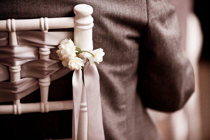 Tiffany chair ribbon tie option | Proyectos que intentar ...