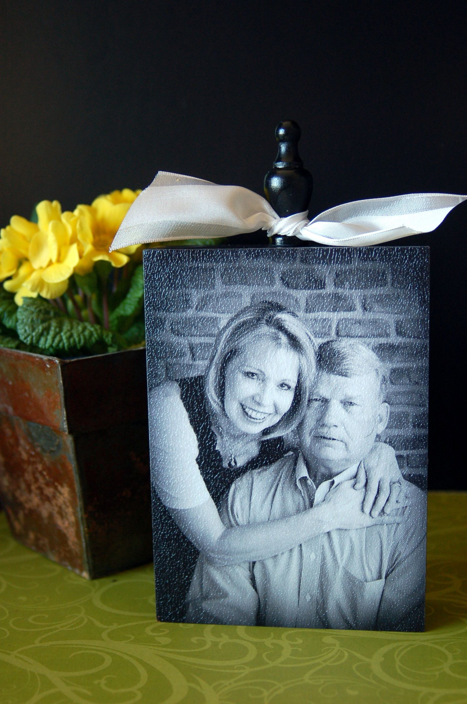 Tutorial  to make the faux canvas photo blocks!