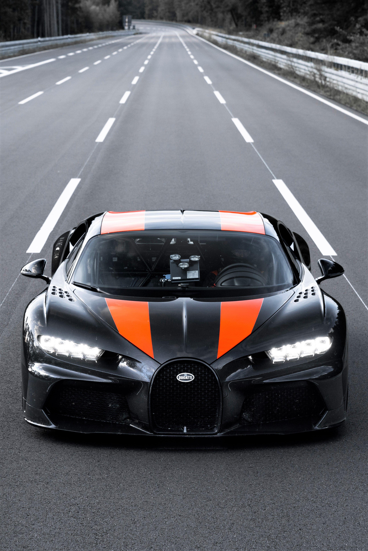 Raging 2021 Bugatti Chiron Super Sport 300 Bugatti Chiron Supercars Bugatti Chiron Sports Cars Bugatti Cool Sports Cars
