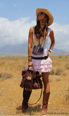 cute cowgirl look:-)