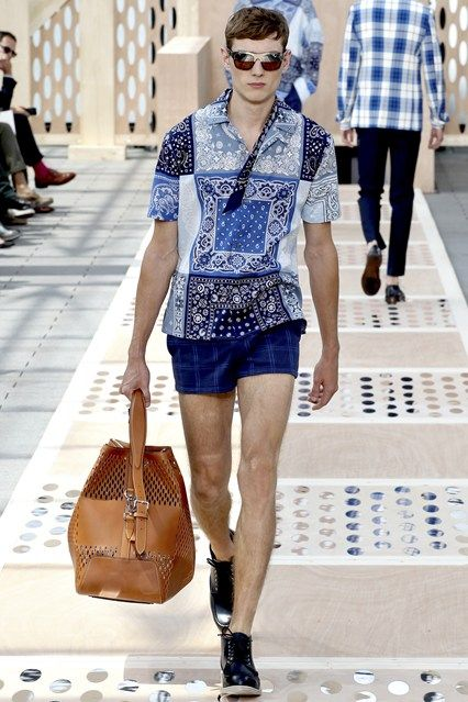 Louis Vuitton SS 2014 #greek #tiles #PFW